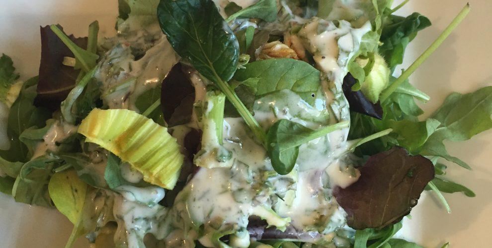 Schnelles Wildkräuter Dressing - di corsa salsa erbe